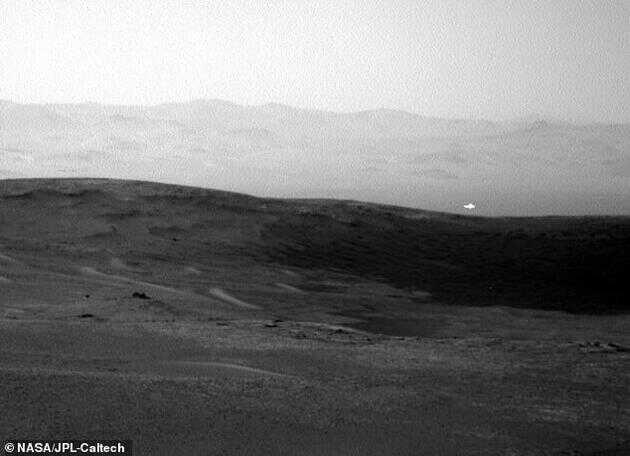 好奇号火星车自 2012 年以来一直在火星表面探索气候和地质情况