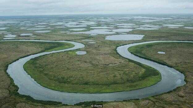 融化的永久冻土层正在改变阿拉斯加的地形。