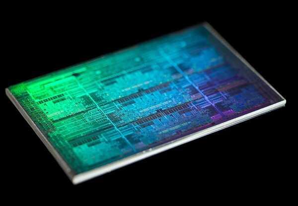 8 年记录被打破始祖级酷睿 i7-930 处理器超频到 5.5GHz