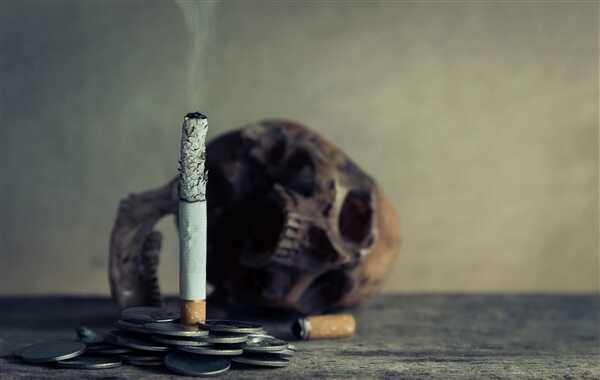 """世卫组织再次呼吁中国提高烟草税防止青少年""""坠入烟雾"""""""