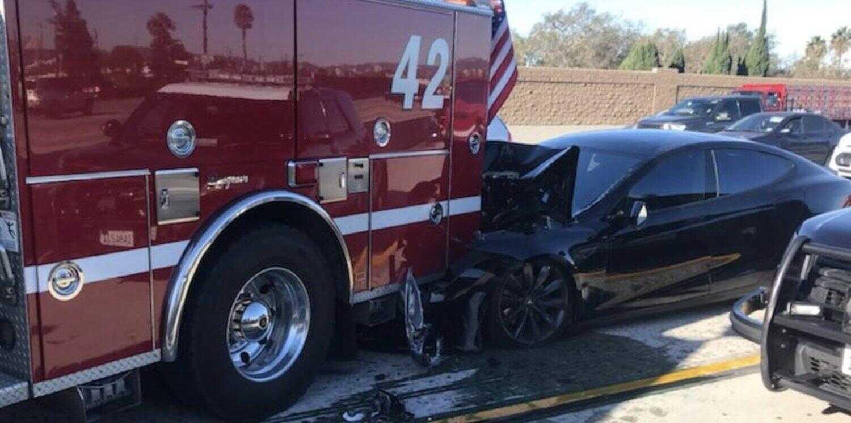 特斯拉撞上消防车监管:辅助驾驶系统部分担责