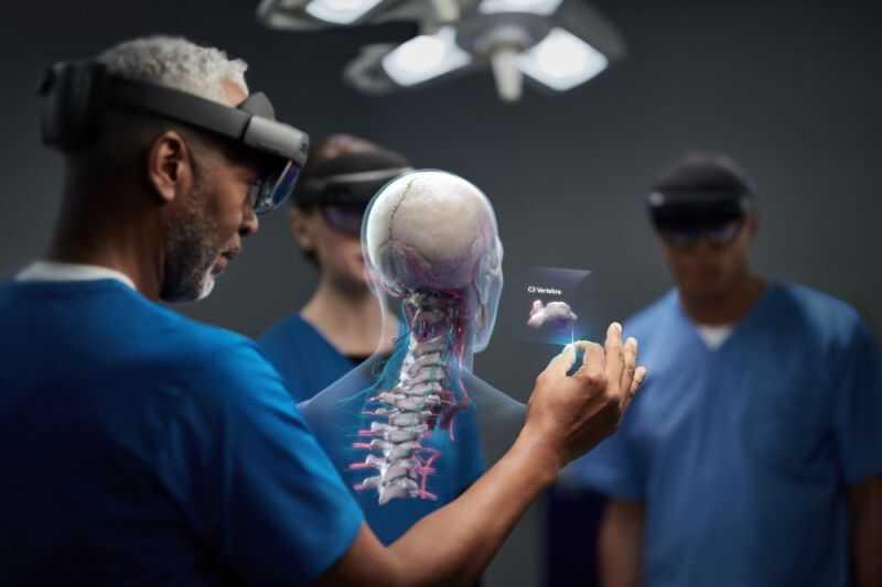 """HoloLens 2""的图片搜索结果"