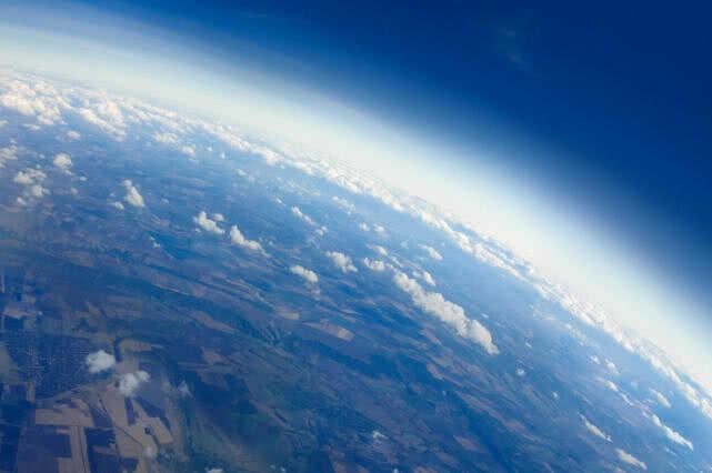 """谷歌、软银等拟建""""高空基站"""":距离地面二三十公里中国电信已加入"""