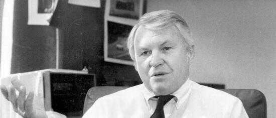布兰迪委员会成员科柏(RobertKirby)