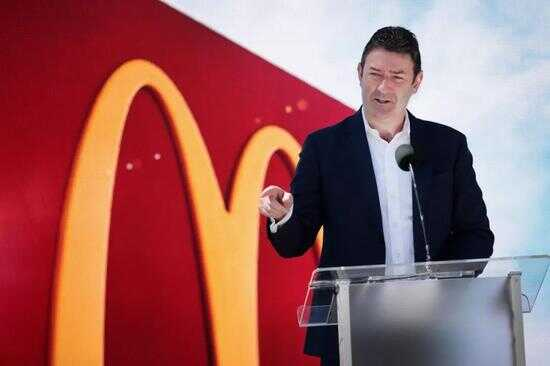 麦当劳 CEO Steve Easterbrook 图片来源:finance.yahoo.com