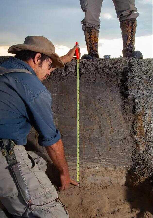 德帕玛说,整个 KT 事件都保存在这些沉积物中,有了它们,我们可以描绘出白垩纪大灭绝那天发生了什么